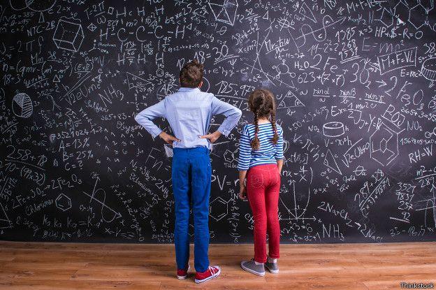 Niños al frente de formulas