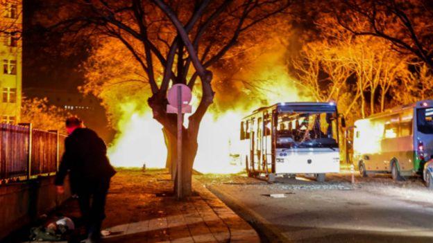 Эрдоган пообещал ответить за терракт в Анкаре