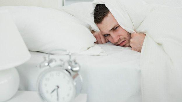 Los expertos dicen que no deberíamos comenzar nuestra jornada laboral antes de las 10 de la mañana.