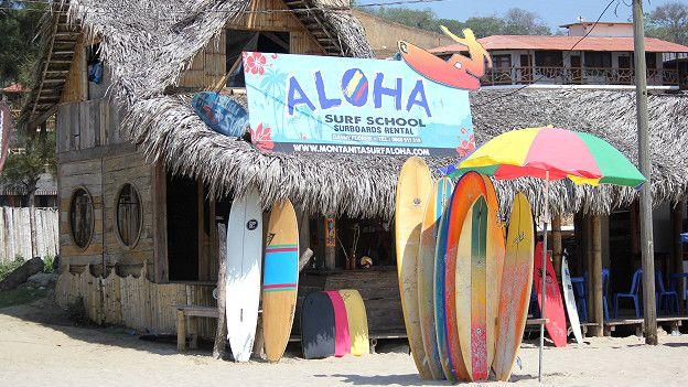 Tienda de surf en Montañita