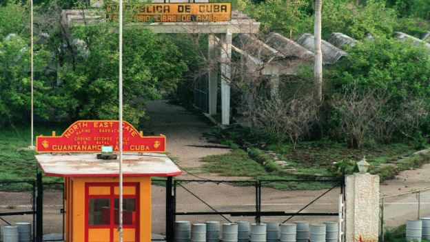 Límite entre la base y Cuba