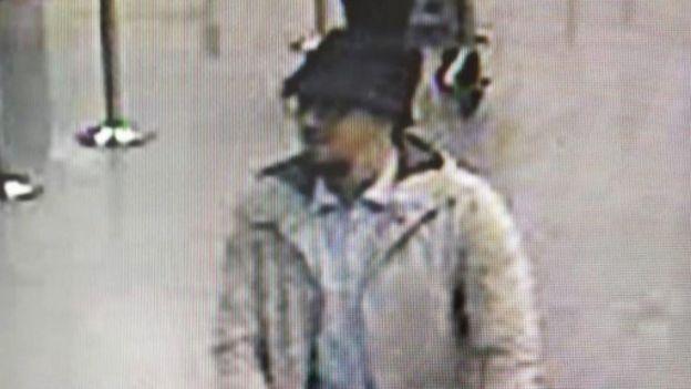 比利時警方公布的監控圖像中的爆炸案嫌疑人。