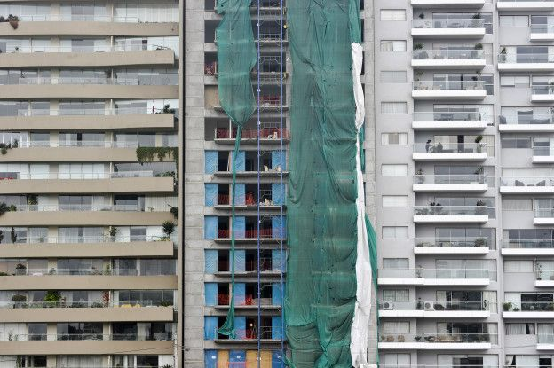 Edificio en construcción en Lima