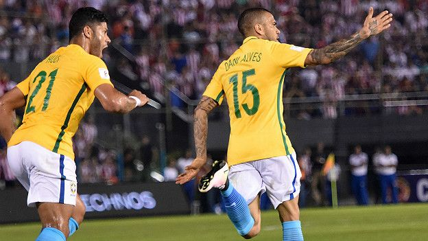 Gol de Dani Alves