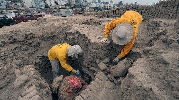 Recuerdos del pasado /Antiguas civilizaciones 160402020558_excavacion_peru_624x351_getty_nocredit