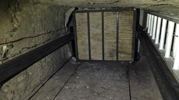 Ascensor en el interior del túnel
