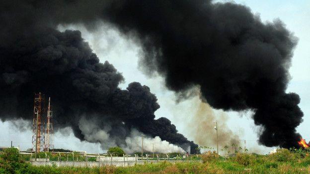Nubes negras tras la explosión