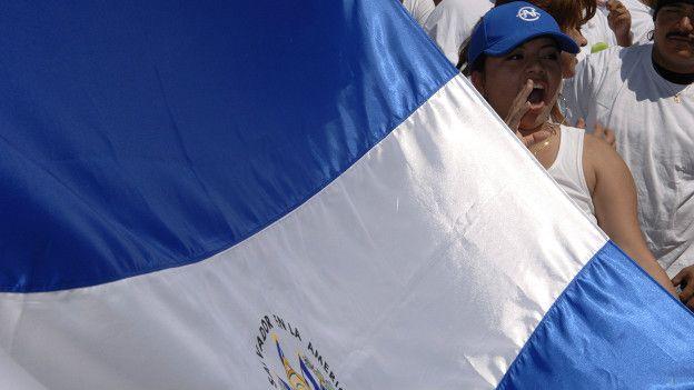 Salvadoreños en Dallas, EE.UU.