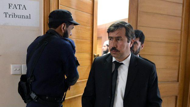 Qamar Nadeem, abogado de Afridi