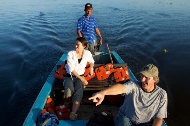 El guía turístico Alan Highton hace viajes turísticos desde hace décadas al lago de Maracaibo para quienes desean observar el fenómeno