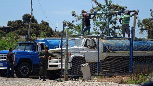 Camiones cisterna en Margarita