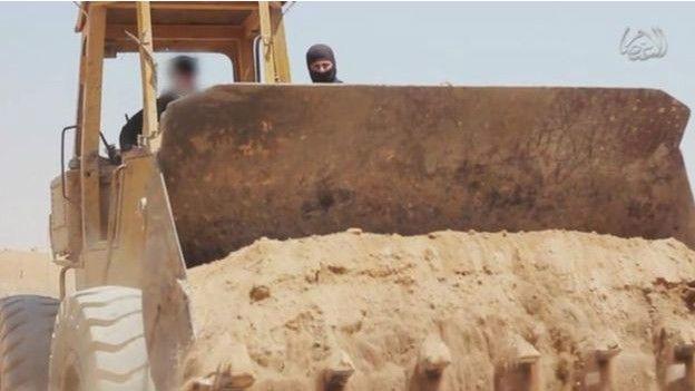 Militantes de EI borrando la frontera entre Siria e Irak