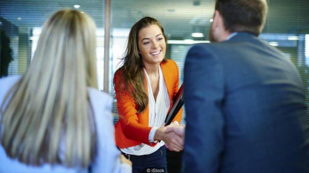 Una persona en una entrevista de trabajo