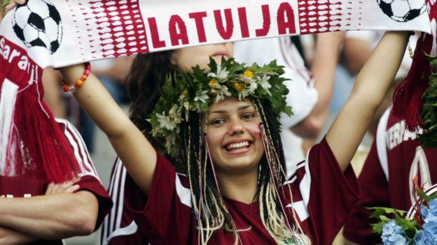 Латвийские националисты: права женщин мешают чтить национальных героев