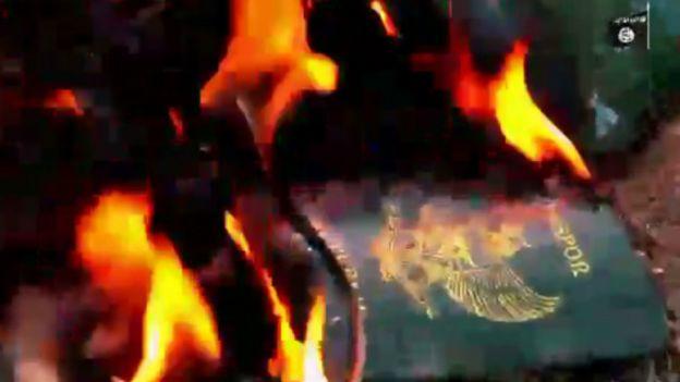 Pembakaran paspor oleh ISIS