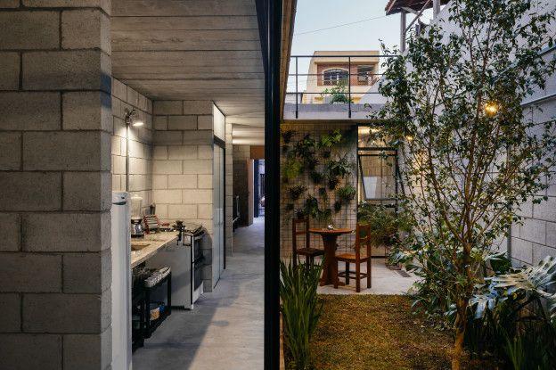 La casa de una empleada dom stica que gana premios de - Piso interior o exterior ...