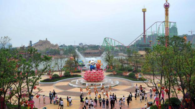 Resultado de imagen para wanda inaugura parque tematico