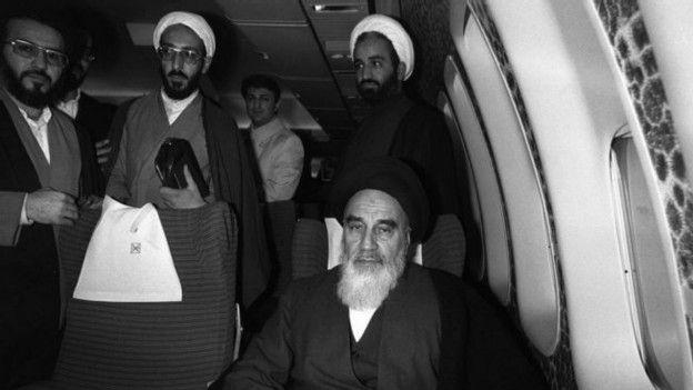 Хомейни в самолете