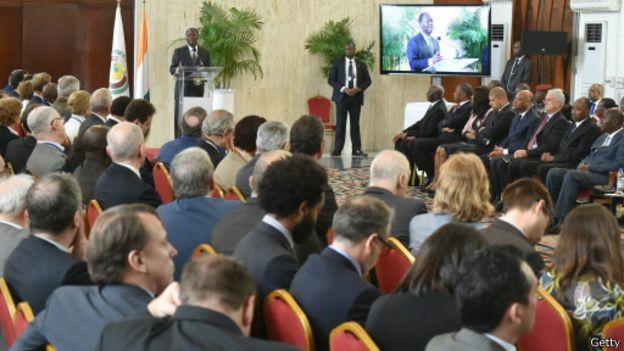 Discours du président Alassane Ouattara à Abidjan devant une délégation de 150 dirigeants d'entreprise français, le 28 avril 2016