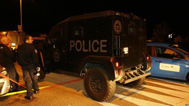 法国特警队汽车