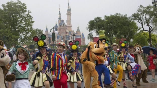 上海迪士尼樂園卡通人物巡遊