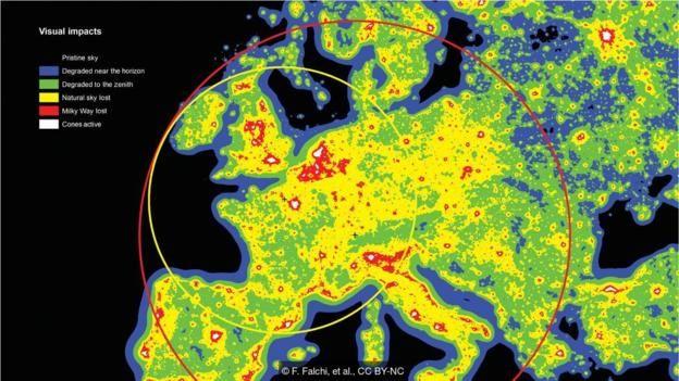 Araştırmacılar ayrıca ışık kirliliğinden hiç zarar görmeyen bölgelere en uzak noktaları belirledi.
