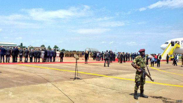 160704113359_israeli_pm_lands_in_uganda-_red_carpet_624x351_umc.jpg