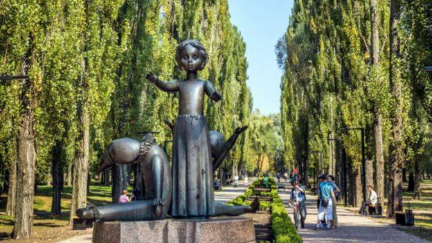 Памятник детям, погибшим в Бабьем Яру