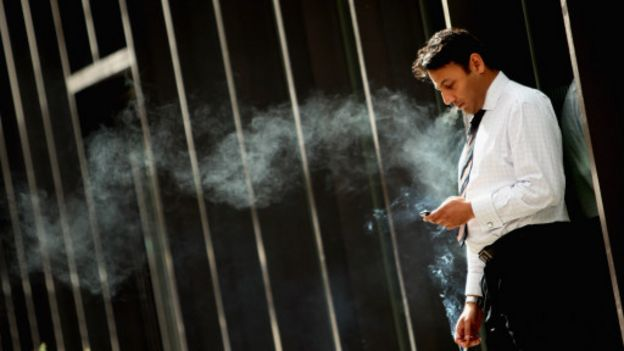 160930112218_worker_smokes_512x288_getty