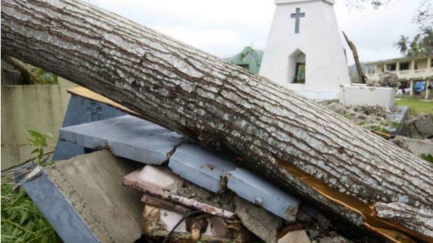 إعصار ماثيو يقتل أكثر من 800 شخص في هايتي 161007135801_mathew_haiti_storm_640x360_ap_nocredit