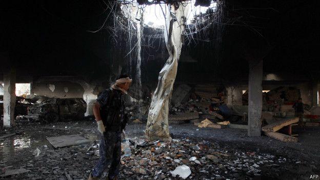 متابعة تطور الأحداث في اليمن - موضوع موحد - صفحة 4 161008185821_saudi-led_coalition_air-planes_on_the_capital_sanaa_on_october_8_2016_624x351_afp