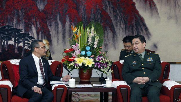 中国国防部长常万全31日在北京会见与马来西亚总理纳吉布一同访华的国防部长希沙慕丁