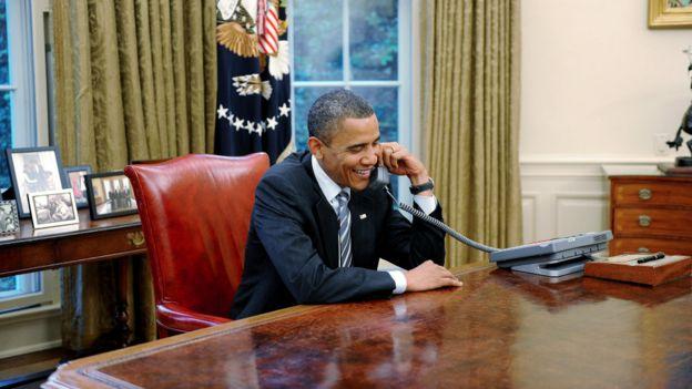 奧巴馬在白宮打電話