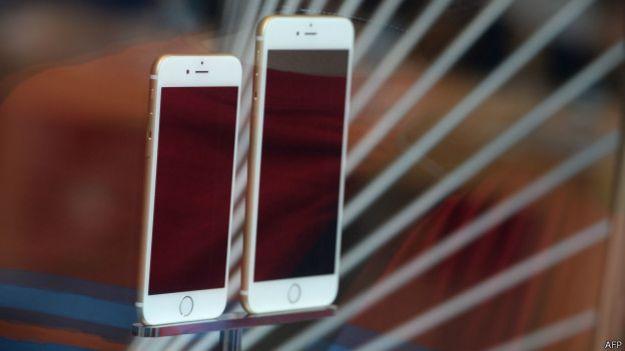 「果粉」指iPhone6經不起折彎