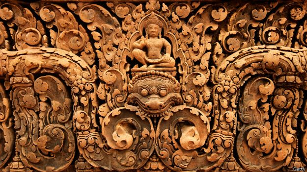 Decoración en templo de Angkor