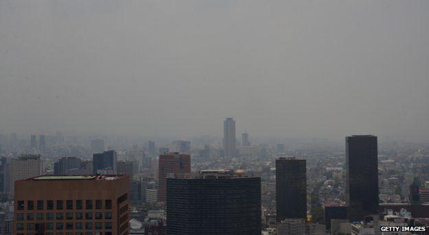 雾霾笼罩的墨西哥城