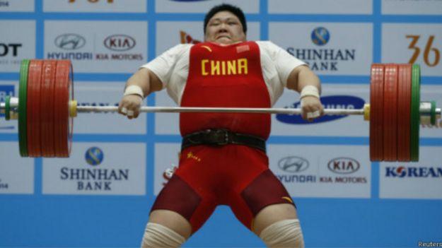 رافعة اثقال صينية تسجل رقما قياسيا جديدا في دورة الالعاب الآسيوية