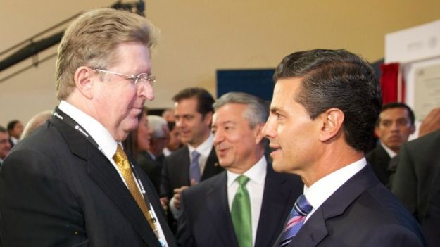 Empresario Germán Larrea y el presidente Enrique Peña Nieto. Foto: Presidencia de México