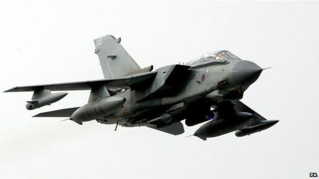 Caça Tornado da Força Aérea Britânica a ser usado nos ataques (PA)