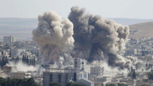 قتال عنيف في عين العرب وتحذيرات أمريكية من سقوط المدينة