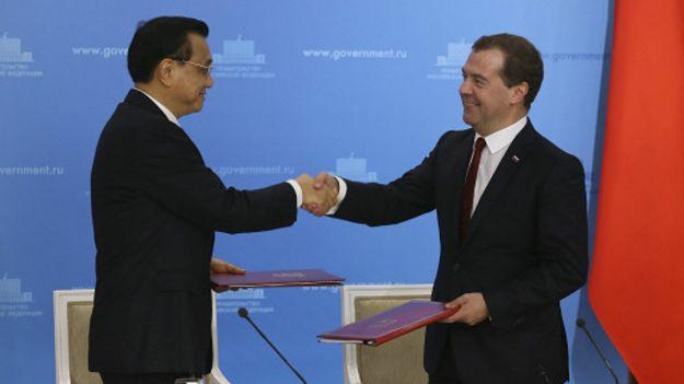 中国总理李克强会见俄国总理梅德韦杰夫