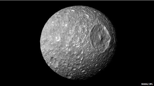 Mimas, uma das lua de saturno