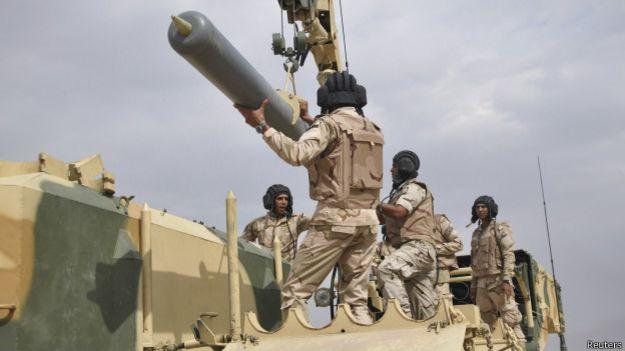 Forças iraquianas treinam para combater extremistas (Foto: Reuters)