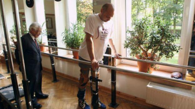 自身細胞移植使癱瘓兩年的患者重新行走