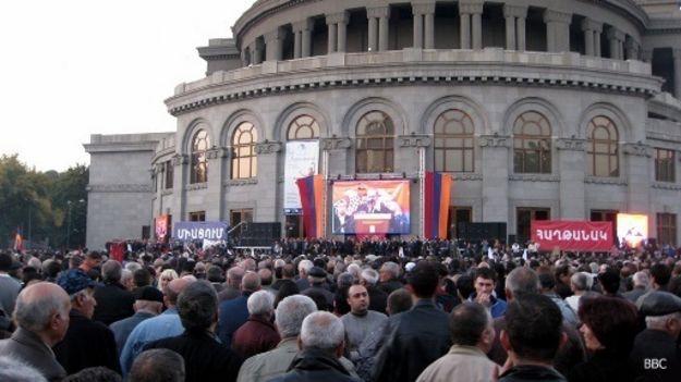 """Ermənistan müxalifəti """"hakimiyyət dəyişikliyinə start verdi"""""""
