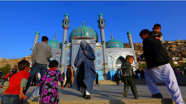 السجن عشرين عاما لرجل دين افغاني اغتصب فتاة في العاشرة من عمرها