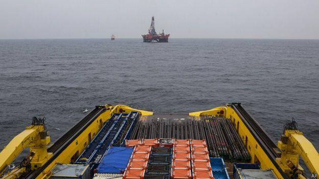 Буровая платформа в Карском море