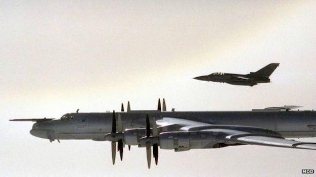 Ту-95МС пощекотал нервы НАТО