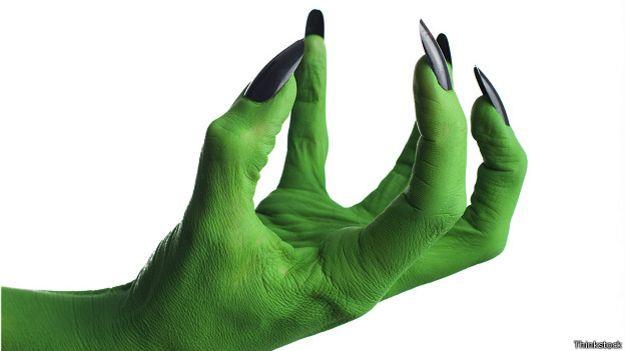 Страшная зеленая рука