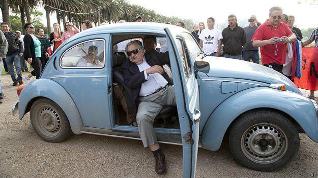 José Mujica em seu carro | Foto: AP